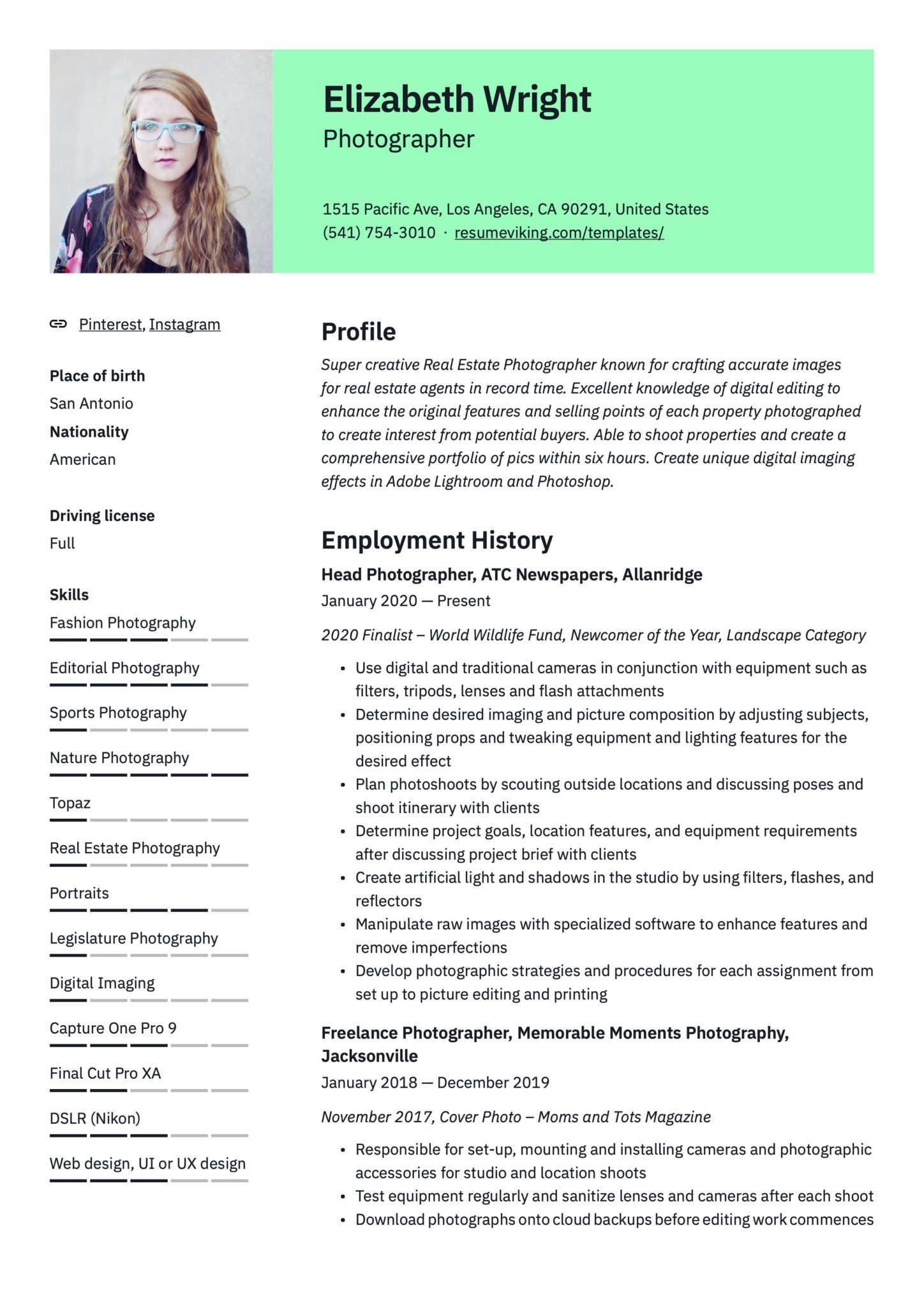Professional Green Resume Template Photographer